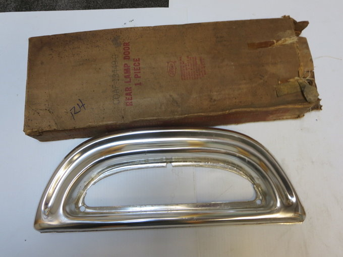 NOS rear Tail light trim bezel.jpg